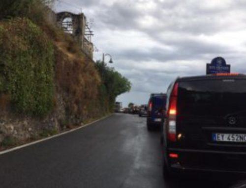 Ravello, caos a Marmorata:  traffico bloccato da oltre un'ora tra Amalfi e Minori